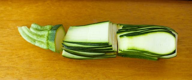 sliced zuchinni